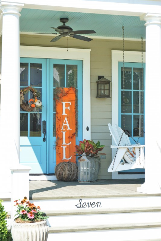 Porch decor at The Water Pike Road
