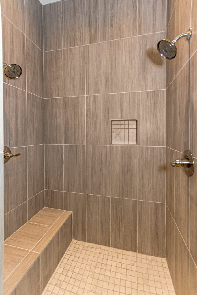 The Savannah B | Master Shower