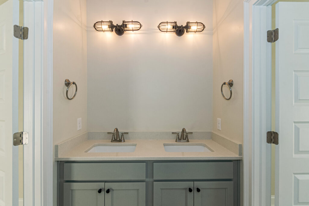 The Savannah B | Guest Bathroom